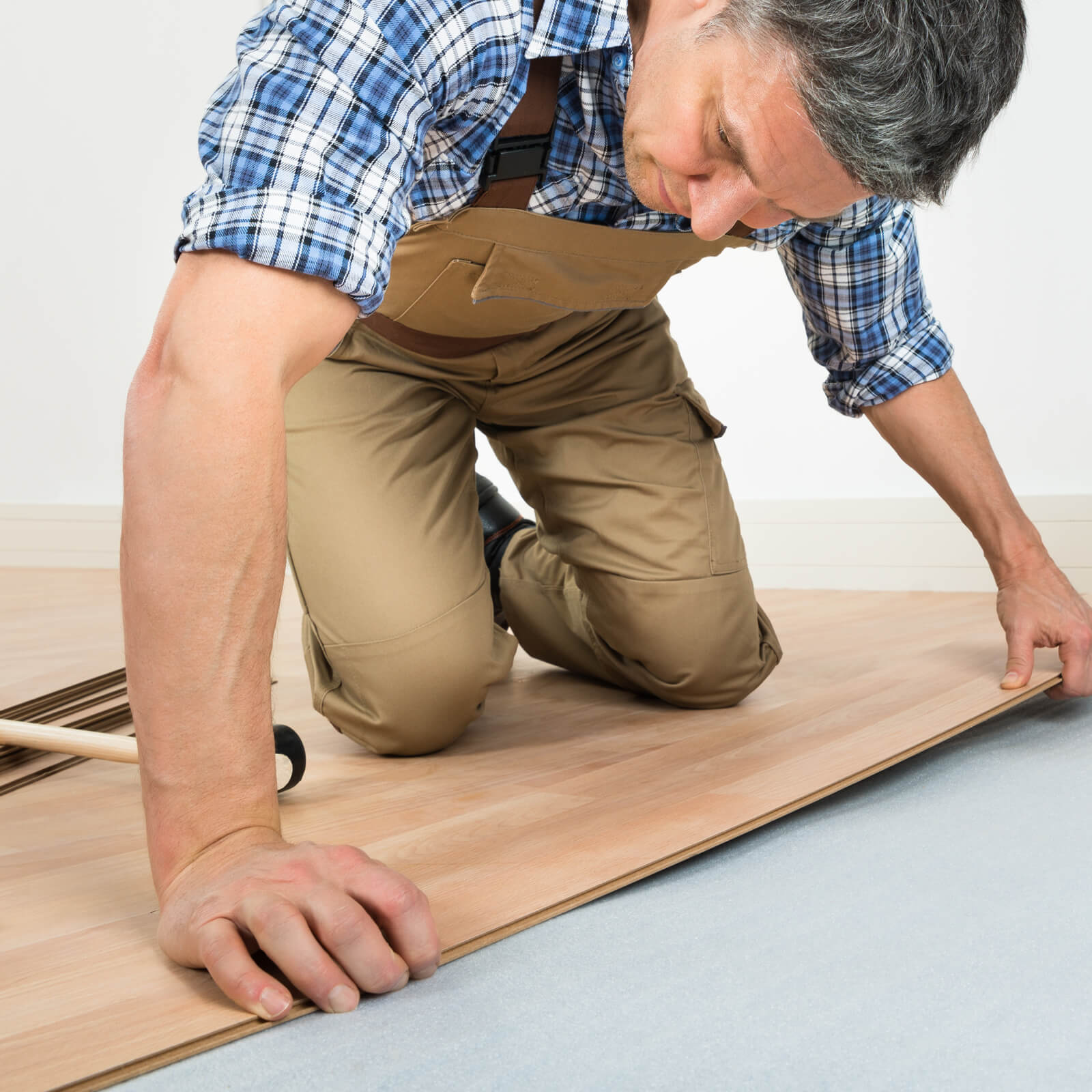 Laminate installation | Vic's Carpet & Flooring