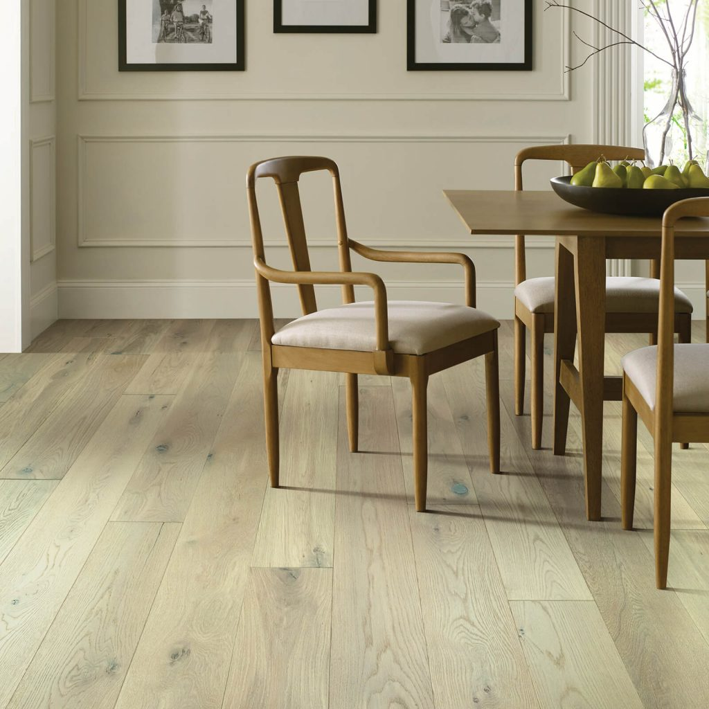 Dining room flooring | Vic's Carpet & Flooring