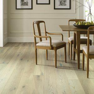 Dining room flooring | Vic's Carpet & Flooring