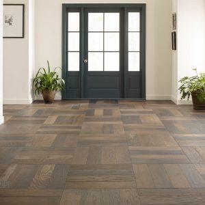 Hardwood Flooring in living room | Vic's Carpet & Flooring
