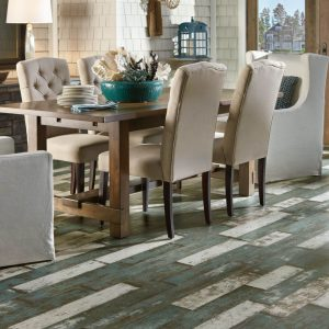 Laminate flooring of dining room | Vic's Carpet & Flooring