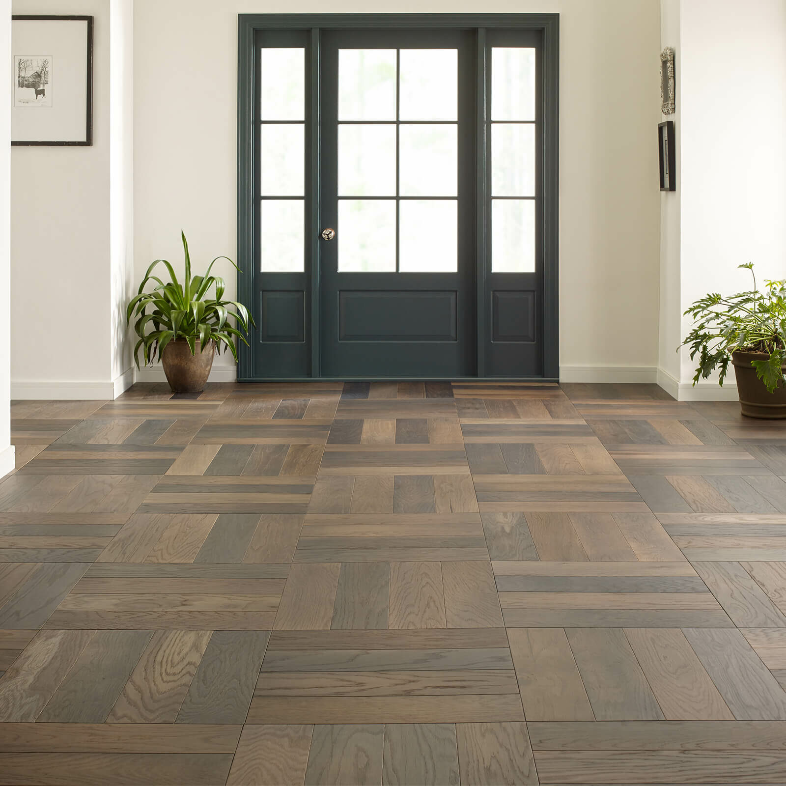 Hardwood Flooring in living room | Vic's Carpet & Flooring