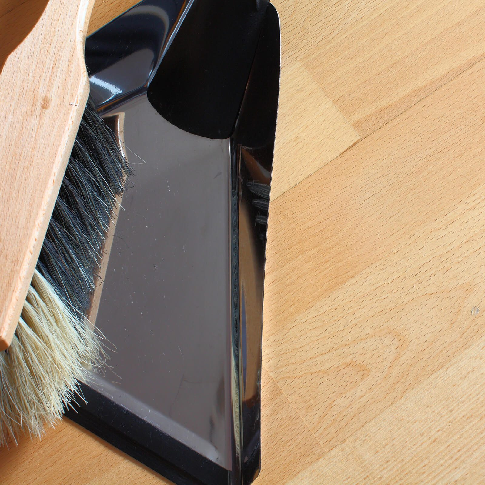 Hardwood cleaning | Vic's Carpet & Flooring